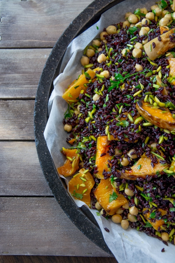 black quinoa bowl.jpg
